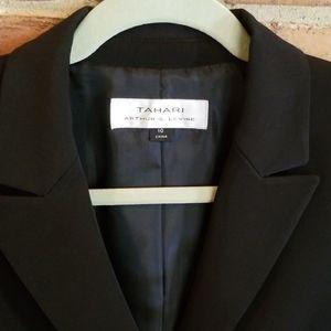 Tahari Authur S. Levine black pant suit size 10